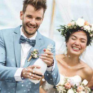 Brautpaar mit Sekt - Dramburg+Hertwig Getränkefachhandel